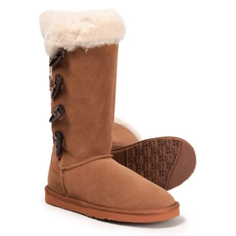 ffd2fa9152fb87 LAMO Footwear Four-Toggle Sheepskin Boots (For Women) in Chestnut