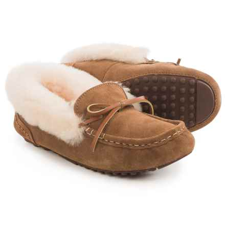 LAMO Footwear Mist Moccasin Slippers - Suede, Sheepskin Lined (For Women) in Chestnut - Closeouts