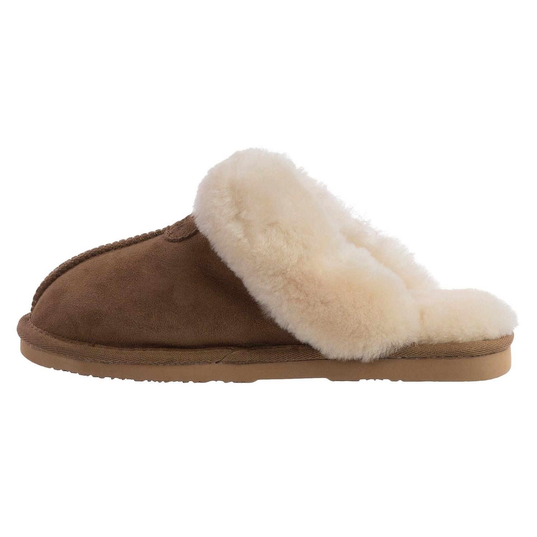 56b29f29ccf4 Lamo Sheepskin Shoes