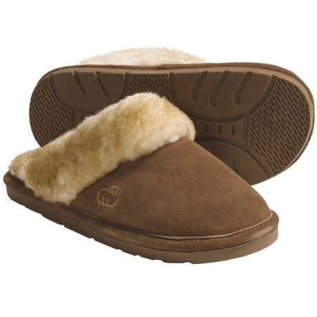 LAMO Footwear Sheepskin Scuff Slippers - Suede (For Women) in Chestnut