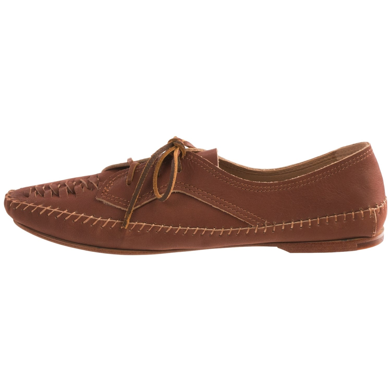 Latigo Shoes Reviews