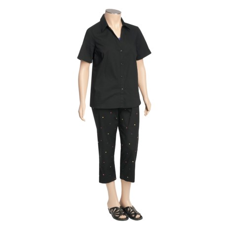 Layered Embroidered Shirt and Capri Set (For Plus Size Women) in Black