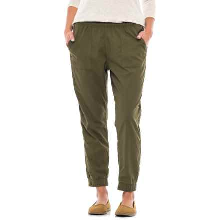 Levi's Jet Set Tapered Pants (For Women) in Olive Envy - Closeouts