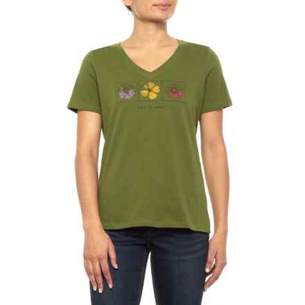140dcaeeecdf9 Life is good® Lig Three Flowers Crusher T-Shirt - Short Sleeve (For