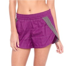Lole Alana Shorts - Windproof, UPF 50+ (For Women) in Passiflora - Closeouts