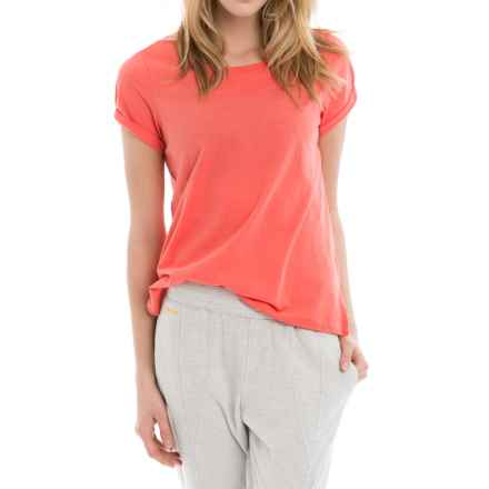 Lole Dia T-Shirt - Scoop Neck, Short Sleeve (For Women) in Pitaya - Closeouts