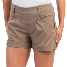 Lole Harbour 2 Shorts - Mid Rise, UPF 50+ (For Women) in Girolles - Closeouts