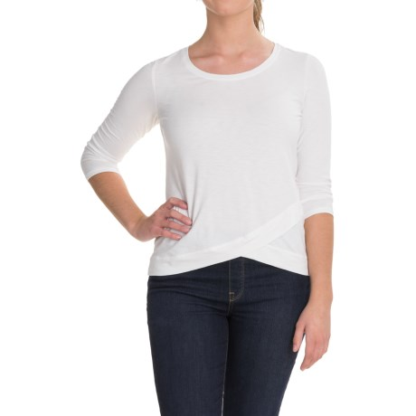 Lucy & Laurel Crossover Hem Shirt - 3/4 Sleeve (For Women) in White