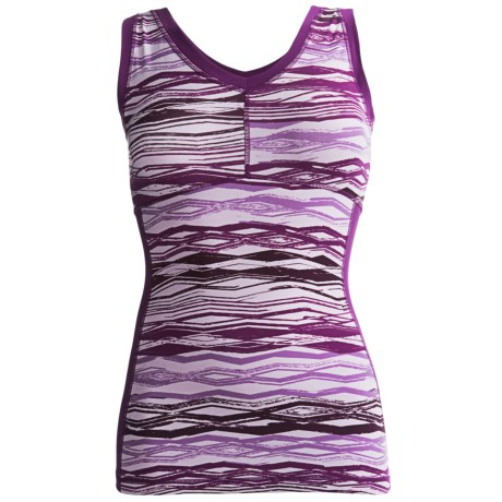 lucy Power Flow Tank Top - Supplex® Nylon (For Women) in Beauty Berry Zig Zag