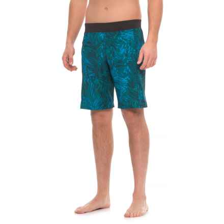 Manduka Daily Yoga Shorts (For Men) in Palm Leaf - Closeouts