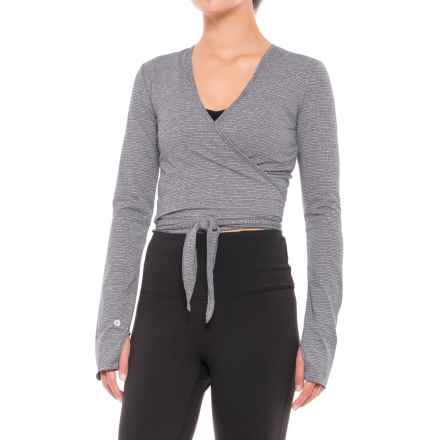 Manduka Kosha Shirt Wrap - Long Sleeve (For Women) in Dark Grey Heather - Closeouts