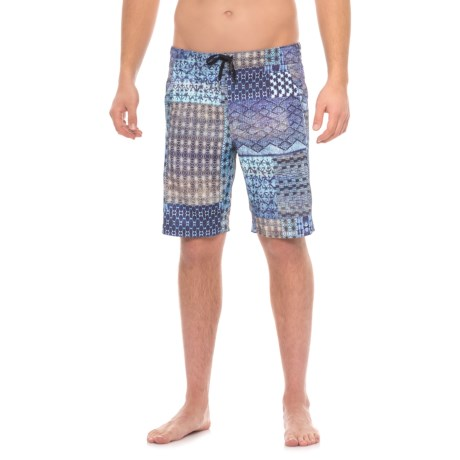 Manduka The Homme Redux Shorts (For Men) in Havana Patchwork