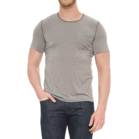 Manduka Transcend T-Shirt - Short Sleeve (For Men) in Cement/Thunder