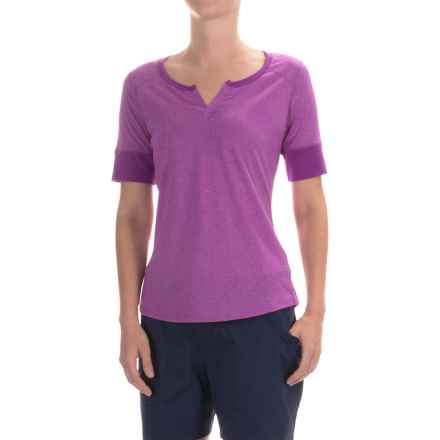 Marmot Cynthia Shirt - UPF 20, Short Sleeve (For Women) in Vibrant Fuchsia - Closeouts