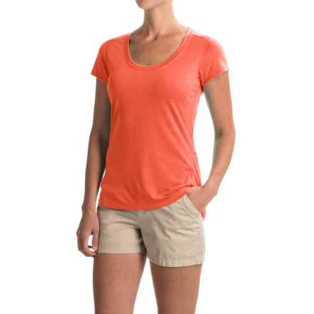 Marmot Logan T-Shirt - UPF 30, Short Sleeve (For Women) in Scarlet Red - Closeouts
