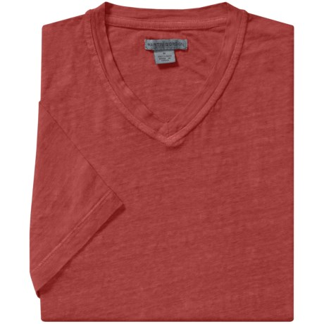 Martin Gordon Linen T-Shirt - V-Neck, Short Sleeve (For Men) in Cayenne