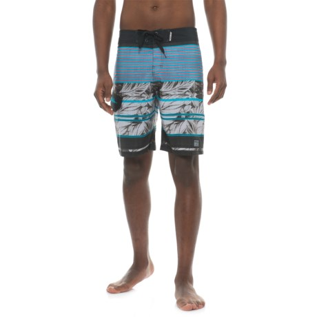 Maui & Sons Pipeline Boardshorts (For Men) in Black