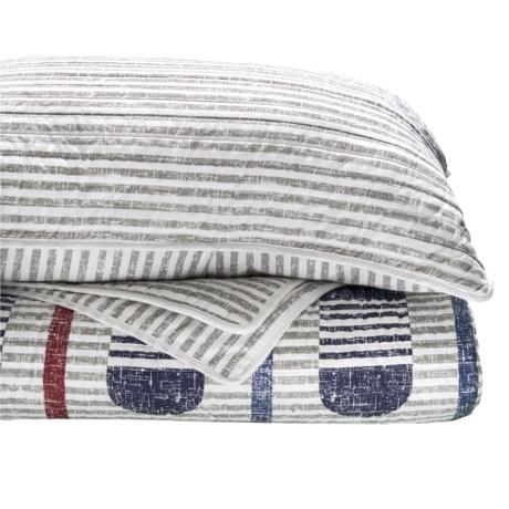 Max Studio Paddle Stripe Quilt Set - Queen in Red Navy