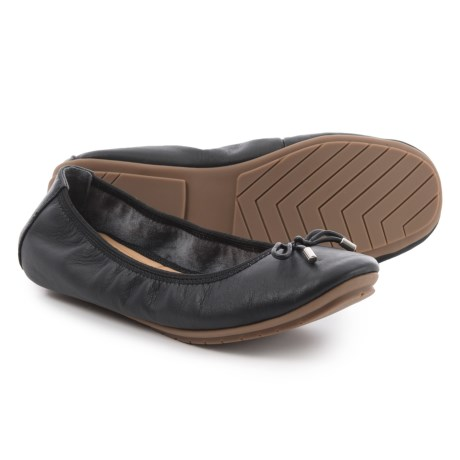 Me Too Halle Ballet Flats - Leather (For Women) in Black Nappa