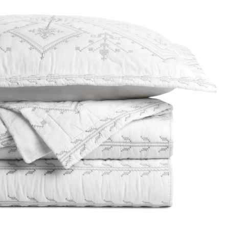 Melange Home Jackson Embroidered Quilt Set - Twin in Grey/White - Closeouts