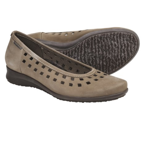 Mephisto Francia Shoes (For Women) in Taupe Nubuck