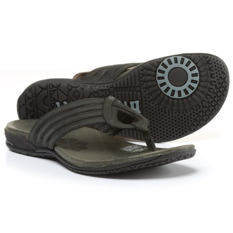 Merrell Lidia Thong Sandals - Leather (For Women) in Black