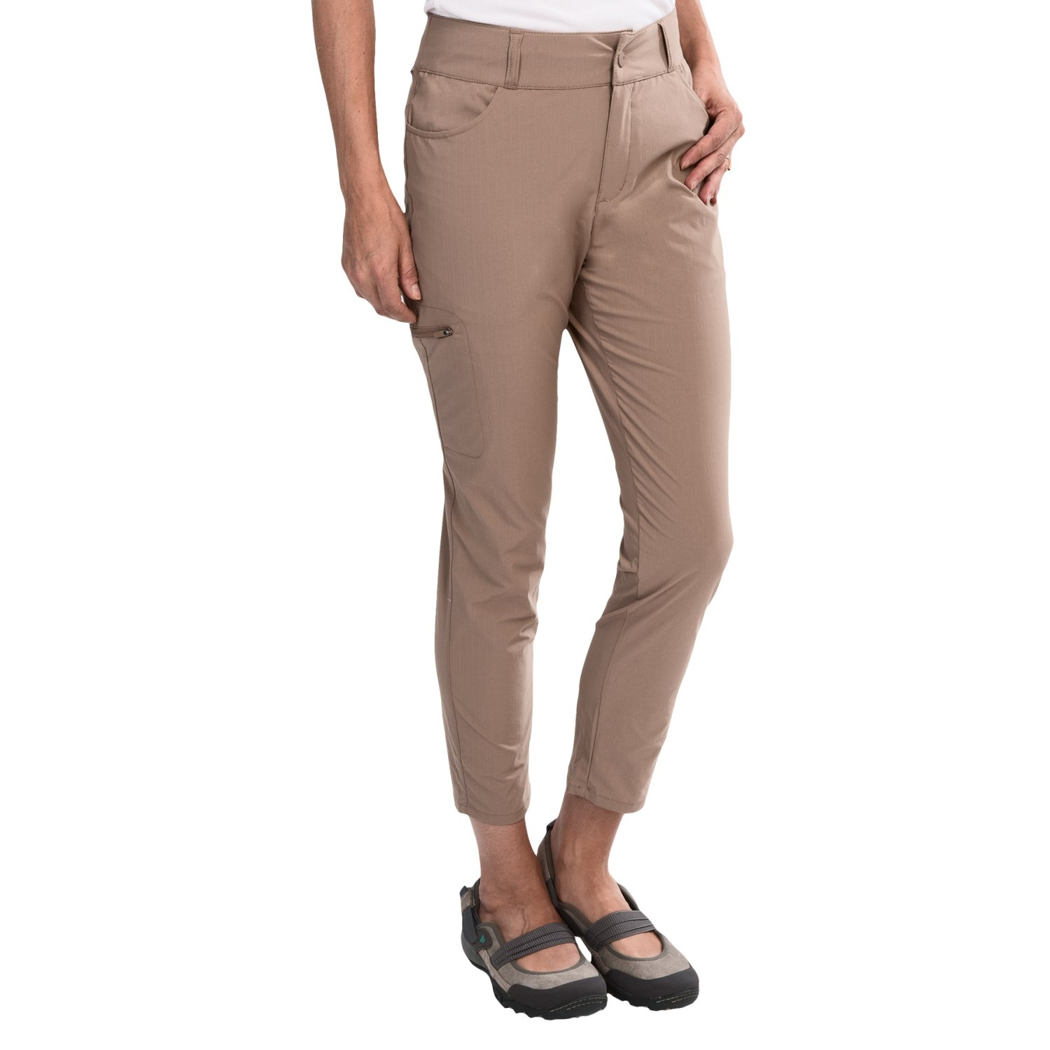 Women's ankle dress pants are versatile and easy to wear. Just add a V-Neck Essential Tank to our High Waisted Double Stripe Trouser Pant for a bold, feminine look. These dress pants are flattering, slimming, and show off your shoes perfectly.