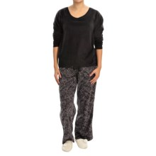 Midnight by Carole Hochman Microfleece Pajama Set - Long Sleeve (For Women) in Black/Lace Bouquet - Closeouts