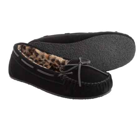 Minnetonka Allie Junior Trapper II Slippers (For Women) in Black W/ Cheetah Print Lining - Closeouts