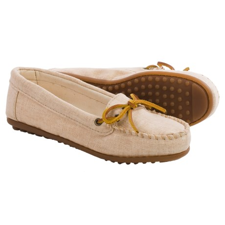 Minnetonka Moccasin Canvas Moccasins (For Women) in Natural