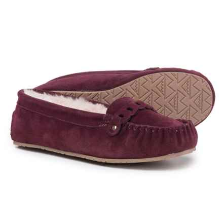 Minnetonka Moccasin Layla Linked Venetian Slippers - Suede (For Women) in Burgundy - Closeouts
