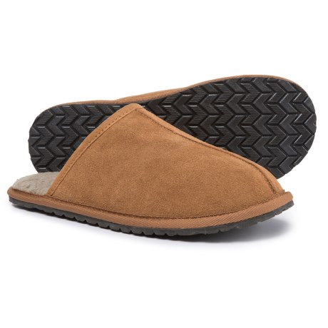 Minnetonka Moccasin Seth Scuff Slippers - Suede (For Men) in Cinnamon