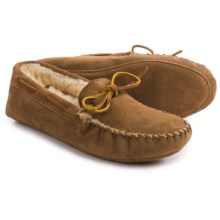 Minnetonka Sheepskin Softsole Slippers - Suede (For Men) in Golden Tan - Closeouts