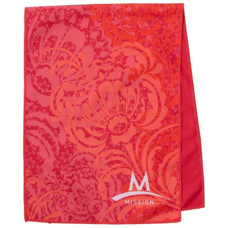 Mission EnduraCool® Cooling Towel - UPF 50+ in Peony Coral
