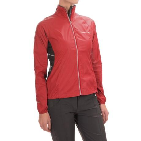 photo: Montane Women's Featherlite Marathon Jacket wind shirt