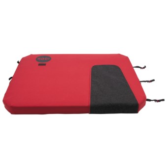 Moon Climbing Ltd. Saturn Crash Pad in Red