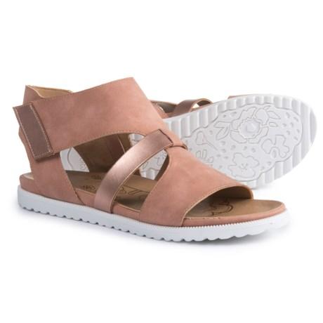 MOOTSIES TOOTSIES Margie Sandals (For Women) in Rose