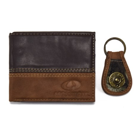 Mossy Oak Embossed Bi-Fold Two-Tone Leather Wallet and Engraved Key Chain (For Men) in Brown/Tan