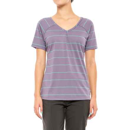 Mountain Hardwear Dryspun T-Shirt - UPF 30, V-Neck, Short Sleeve (For Women) in Minky - Closeouts