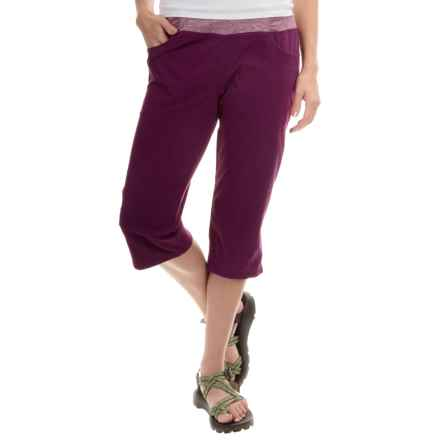 Mountain Hardwear Dynama Capris (For Women) in Dark Raspberry - Closeouts