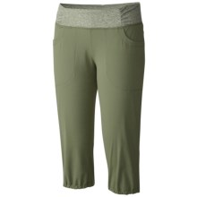 Mountain Hardwear Dynama Capris (For Women) in Mosstone - Closeouts