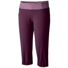 Mountain Hardwear Dynama Capris (For Women) in Purple Dahlia - Closeouts
