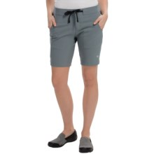 Mountain Hardwear Kofa Shorts (For Women) in Graphite - Closeouts