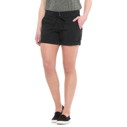 Mountain Hardwear New Yuma Shorts - UPF 50 (For Women) in Black - Closeouts