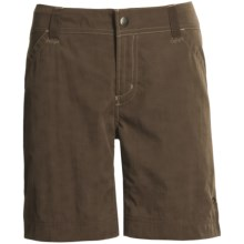 Mountain Hardwear Overlook Slub Shorts - UPF 50, Quick Dry (For Women) in Espresso - Closeouts