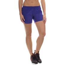 Mountain Hardwear Pacing Shorts - UPF 30, Built-In Briefs (For Women) in Nectar Blue - Closeouts