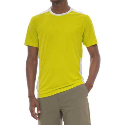 Mountain Hardwear Photon T-Shirt - UPF 50, Short Sleeve (For Men) in Fresh Bud - Closeouts