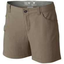 Mountain Hardwear Ramesa V2 Shorts - UPF 50 (For Women) in Khaki - Closeouts