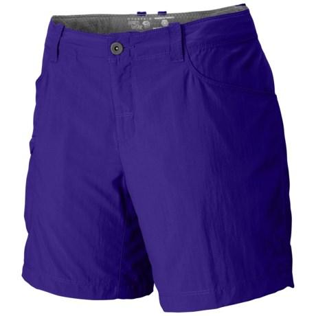 Mountain Hardwear Ramesa V2 Shorts - UPF 50 (For Women) in Nectar Blue