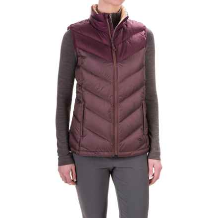 Mountain Hardwear Ratio Down Vest - 650 Fill Power (For Women) in Purple Plum/Marionberry - Closeouts
